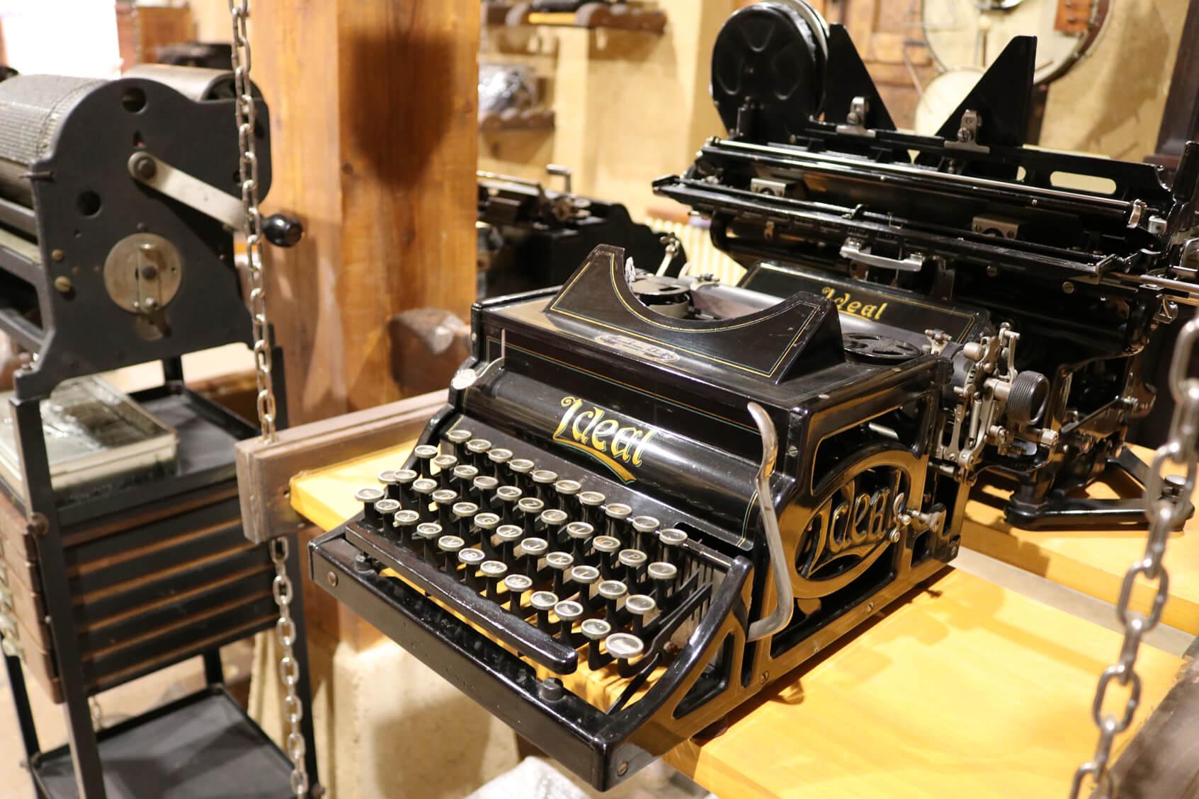Colección museográfica de Máquinas de Escribir